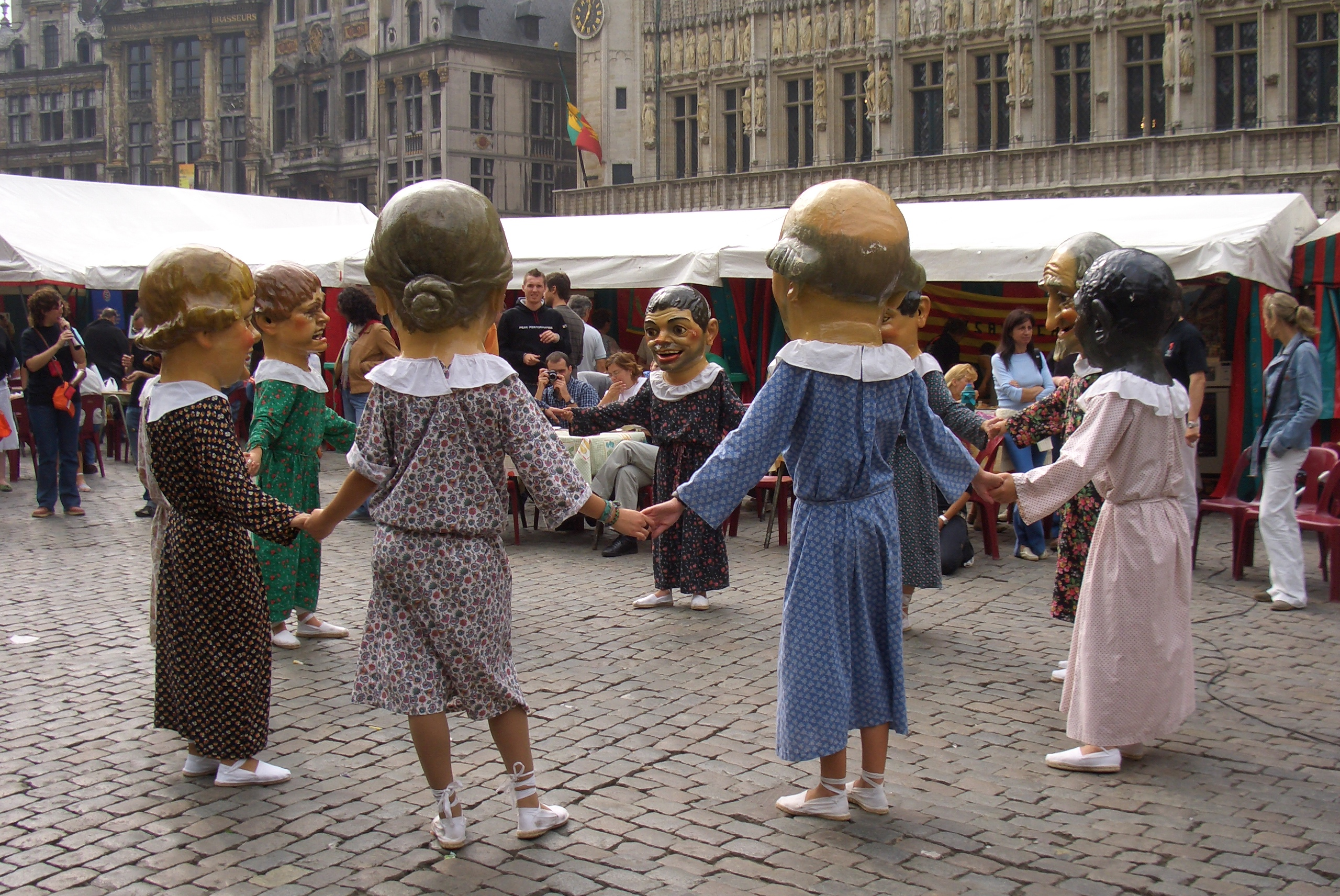Photo: people in Grand'Place, Brussels.